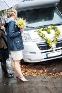 Brautstrauß mit Autoschmuck